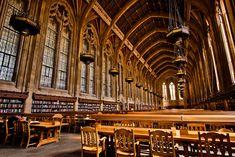 Suzzallo Library, University of Washington. Photo by Michael Riffle