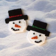 Plastic Canvas: Snowman Friends Magnets (set of 2) by ReadySetSewbyEvie on Etsy