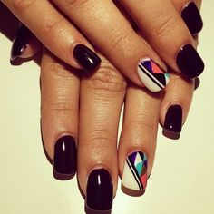 Square #geltips and #geometric accent