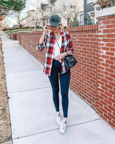 Ever wondered how to style a flannel casually? This post is for you with one easy look plus eight more for inspiration.