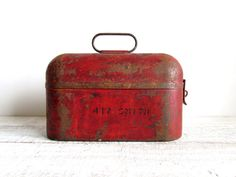 lunch box . vintage . industrial . rustic