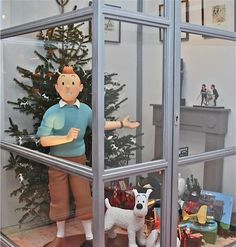 I have to go there one day!!! Tintin Noel ...Belgium store Brussels