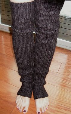 Wolly Mammoth Leg Warmers || Free pattern || Just what I was looking for. =) http://www.ravelry.com/patterns/library/wooly-mammoth-leg-warmers