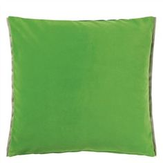 Our best selling cotton velvet Varese if the feature in this luxurious square velvet decorative pillow. Vivid malachite reversing to viridian green and finished Velvet Cushions, Designers Guild, Cotton Velvet, Luxury Home Decor, Fabric Wallpaper, Malachite, Pillow Design, Linen Bedding, Decorative Pillows