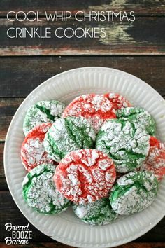christmas cookies kids Weihnachtspltzchen Christmas Crinkle Cool Whip Cookies are a blast to make with the kids! Everyone loves these easy Christmas cookies, just be ready to get a little messy! Best Holiday Cookies, Xmas Cookies, Holiday Baking, Christmas Desserts, Making Cookies, Easy Christmas Cookies, Lemon Christmas Cookie Recipe, Christmas Cupcakes, Handmade Christmas