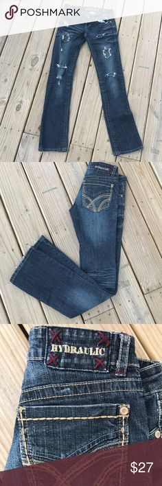 "Hydraulic Bailey Destructed Jeans Sz. 3/4 Bailey style. No holes that weren't intended. Smoke free. Waist is 29"". Inseam 31"". Hydraulic Jeans"