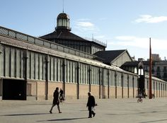 El mercado del Born, en la actualidad, convertido en museo. Barcelona, Louvre, Building, Travel, Street, Museums, Architecture, Viajes, Buildings