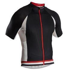 #Textil verano #ciclismo #Maillot MC 7 LISA NEGRO BLANCO Decathlon. http://www.decathlon.es/maillot-mc-7-lisa-negro-blanco-id_8237971.html