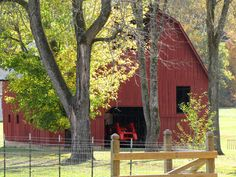 Image detail for -Bluff Area Daily: Old Barns Country Barns, Country Living, Country Life, Country Roads, Mill Farm, White Barn, Down On The Farm, Red Barns, Rustic Barn