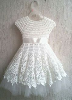 Best Ideas For Knitting Baby Patterns Girl Doll Clothes - Diy Crafts - Moonfer - hadido Blouse Au Crochet, Crochet Baby Dress Pattern, Knit Baby Dress, Baby Girl Crochet, Crochet Baby Clothes, Baby Knitting Patterns, Baby Patterns, Dress Patterns, Kids Crochet