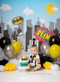 Batman superhero cake smash