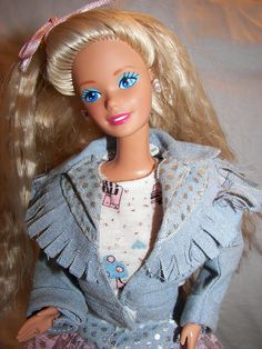 Feeling Fun Barbie I had her- I loved her crimped hair! She was my all time favorite barbie! Barbie 80s, Barbie World, Vintage Barbie, Childhood Toys, Childhood Memories, Old School Toys, Crimped Hair, Barbie Collection, Barbie Friends