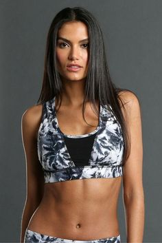 c1bf0536f4eb4 The Hudson Sports Bra is as functional as it is fashionable. A stylish  combination of black mesh and Palm print! - Fully lined - Great Support -  Made in the ...