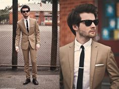 Tan suit, skinny tie, AND tie clip. Fashion Night, Daily Fashion, Mens Fashion, Mens Trends, The Blushed Nudes, Mens Style Guide, Bridesmaids And Groomsmen, Skinny Ties, Suit And Tie