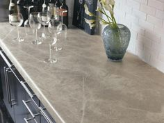 Inexpensive Kitchen Countertops: Pictures & Ideas From HGTV Inexpensive Kitchen Countertops, Cheap Countertops, Kitchen Countertop Materials, Laminate Countertops, Cheap Kitchen, Kitchen Ideas, Kitchen Pictures, Kitchen Layouts, Decorating Kitchen