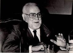 (Madrid, 1911-2004) arquitecto e historiador del arte español. Nació en Madrid. Catedrático de Historia del Arte de la Escuela Superior de Arquitectura de Madrid y miembro de la Real Academia de B...