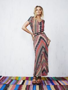 STUNNING Tigerlily dress. Beautiful bohemian print & perfectly cut. A spring/summer must have.