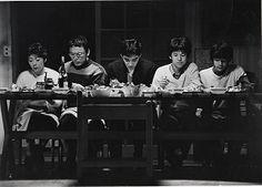 森田芳光監督の映画「家族ゲーム」の食事シーン