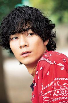 Handsome Asian Men, Man Crush Monday, Momento Mori, Japanese Boy, Portrait, Beautiful Boys, Pretty People, Crushes, Photoshop