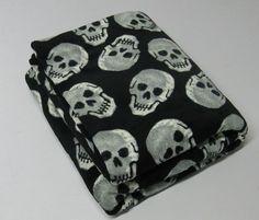 Skull fleece blankie