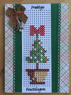 Cross Stitch Christmas Cards, Cross Stitch Cards, Cross Stitch Flowers, Christmas Cross, Cross Stitch Patterns, Palestinian Embroidery, Marianne Design, Christmas Decorations, Holiday Decor