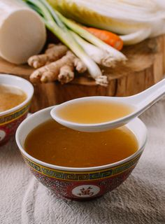 This rich Asian vegetable stock is tasty enough to be sipped alone or used as a base for countless soups and noodle soups. It's truly a cornerstone recipe. Vegetarian Noodle Soup, Tofu Soup, Vegetarian Curry, Noodle Soups, Chinese Soup Recipes, Asian Recipes, Healthy Recipes, Asian Foods, Easy Recipes