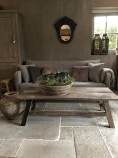 Bank Thijs - Lilly is Love Stone Tile Flooring, Flagstone Flooring, Küchen Design, House Design, Interior Design, Living Room Grey, Home And Living, Rustic Interiors, Rustic Decor
