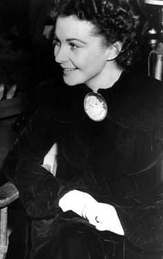 Vivien Leigh on the set of GONE WITH THE WIND (directed by Victor Fleming, 1939)