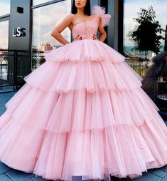 Pretty Quinceanera Dresses, Pretty Prom Dresses, Cheap Prom Dresses, Pretty Outfits, Bridal Dresses, Nice Dresses, Formal Dresses, Ball Gowns Evening, Ball Gowns Prom