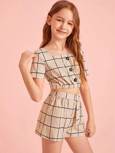 Girls Button Detail Grid Top And Buckle Belted Shorts Set – Kidenhouse Teenage Girl Outfits, Girls Fashion Clothes, Dresses Kids Girl, Little Girl Outfits, Cute Girl Outfits, Kids Outfits Girls, Tween Fashion, Cute Outfits For Kids, Teen Fashion Outfits