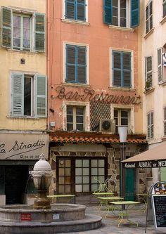 Toulon ~