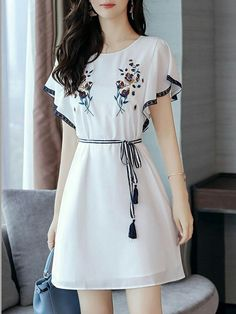 Fashionmia - Fashionmia Round Neck Embroidery Bowknot Chiffon Skater Dress Work outfits for dresses casual outfits classy fashions lovely 2019 fall dress outfits Stylish Dresses, Simple Dresses, Elegant Dresses, Casual Dresses, Short Dresses, Eid Dresses, Sleeve Dresses, Casual Outfits, Pretty Outfits