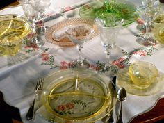 19 best depression glass table settings images on Pinterest | Place ...
