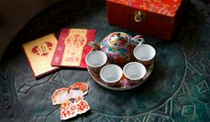 Chinese wedding tea ceremony with cute cut-out couple Wedding Blog, Destination Wedding, Wedding Ideas, Traditional Chinese Wedding, Wedding Chinese, Asian Inspired Wedding, Chinese Tea, Chinese Style, Japanese Tea Ceremony