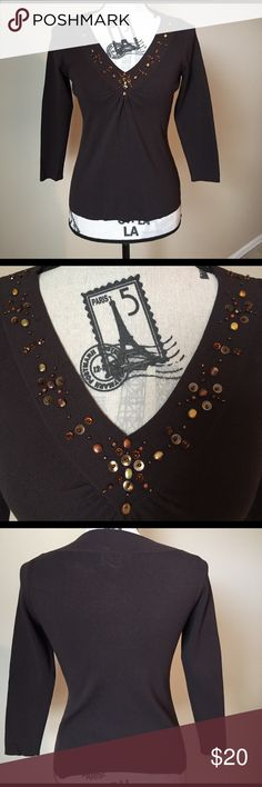 Ann Taylor LOFT sweater Lightweight sweater by Ann Taylor Loft. Pretty beading around the v neckline. In like new condition as you can see from the pics. You'll love wearing this! 😊 LOFT Sweaters V-Necks