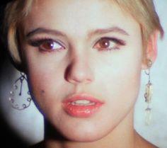"""Andy Warhol """"Superstar"""" Edie Sedgwick, 1965 #EdieSedgwick #AndyWarhol #PopArt…"""