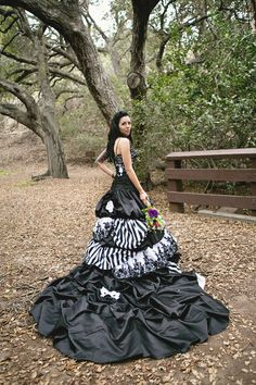 unique wedding dress, black and white wedding dress, beetlejuice wedding dress, tim burton wedding dress. Lily Stein Photography - idk how i feel about this Christmas Wedding Dresses, Halloween Wedding Dresses, Black Wedding Dresses, Wedding Gowns, Halloween Weddings, Black Weddings, Indian Weddings, Wedding Cakes, Wedding Black