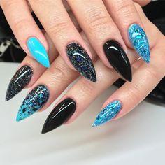 148 отметок «Нравится», 9 комментариев — Insane nails (@insanenailsandart) в Instagram: «My new nails, made by me picture taken by my fiancé @jockeelm _____________________ Finns i…»