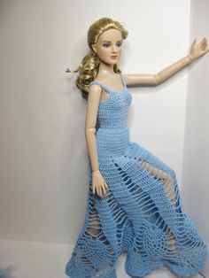 """Robert Tonner 16"""" Antoinette crocheted blue angel floor length pineapple dress. Dress and angel wings only, doll or shoes not included. ☆"""