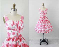 vintage 1950s 50s dress // White and Pink Poppies Floral Sundress with Pink Glass Buttons