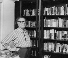 Isaac Asimov - 1 of the most prolific writers of all time ! And The Foundation Series is one of my absolute favorites. Asimov Foundation, Foundation Series, Sci Fi Authors, Science Fiction Authors, Isaac Asimov, Books To Read, My Books, Heroes Wiki, Geek Movies