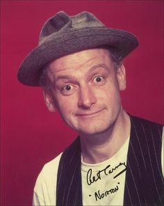 """THE REAL ED NORTON: Mom always said we were Nortons when we did something stupid. Actor Art Carney, best known for his role as Ed Norton on """"The Honeymooners"""", was born on Nov. He passed away on Famous Men, Famous Faces, Famous People, Classic Tv, Classic Movies, Tv Actors, Actors & Actresses, Hollywood Stars, Classic Hollywood"""