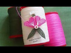 205.model Video Cekimi çok istenilen çok güzel bir igne oyası modelin anlatımlı yapılışı DIY 📣 - YouTube Baby Hat Patterns, Flower Patterns, Flower Designs, Newborn Crochet, Crochet Baby Hats, Crochet Flowers, Fabric Flowers, Creative Embroidery, Hand Embroidery