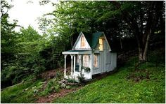 Another craft/reading space in my dream home garden.