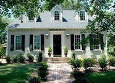 A post full of ideas for exterior gray paint colors. picking the right exterior gray paint colors can be hard to do. View post for exterior gray paint Exterior Gray Paint, Exterior Design, Exterior Colors, Exterior Homes, Cottage Exterior, Bg Design, House Design, Design Ideas, Brick Design