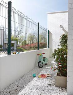 House Wall Design, House Fence Design, Modern Fence Design, Gate Design, Compound Wall Design, Privacy Fence Designs, Casa Loft, Architectural Floor Plans, House Construction Plan
