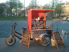 * Couleurs Café by Arnaud Viratelle in Paris Coffee Carts, Coffee Truck, Coffee Shop, Mobile Cafe, Mobile Shop, Food Truck Design, Food Design, Cafe Display, Bike Food