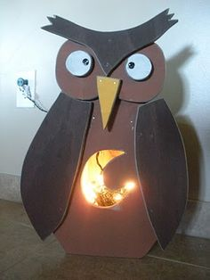 Make & Take: Lighted Fall Owl Country Wood Crafts, Fall Wood Crafts, Owl Crafts, Wooden Crafts, Crafts To Do, Country Critters, Fall Owl, Halloween Mason Jars, Wooden Owl