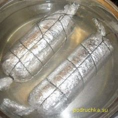 колбаса домашняя куриная Sausage Recipes, Meat Recipes, Cooking Recipes, Ukrainian Recipes, Russian Recipes, Georgian Food, Georgian Recipes, Turkey Dishes, Cookbook Recipes