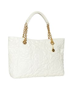 This floral quilted handbag is a summer must-have! | Country Outfitter